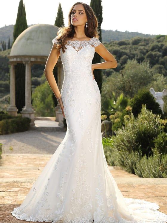 Vestido de novia sirena con escote barco parte delantera