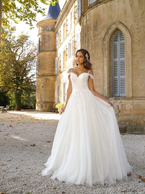Vestido de noviade tul encaje corteena  parte delantera