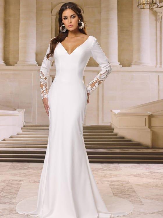 Vestido de novia sirena con escote de pico en crepe parte delantera