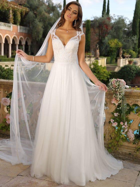 Vestido de novia evasee con escote de pico de tul parte delantera