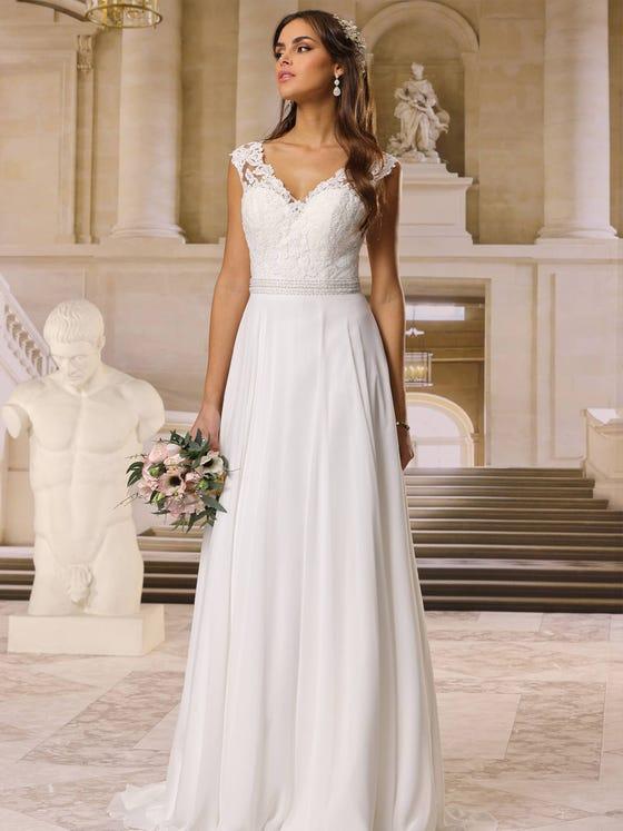 Vestido de novia recto con escote de pico parte delantera