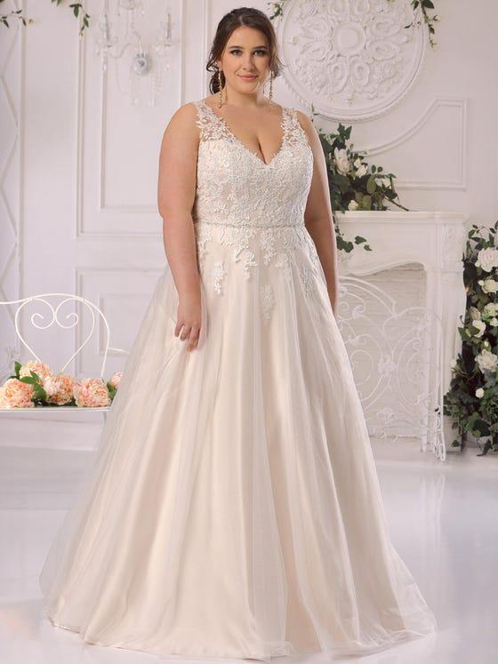 Vestido de novia en tul encaje y corteena con escote de pico parte delantera